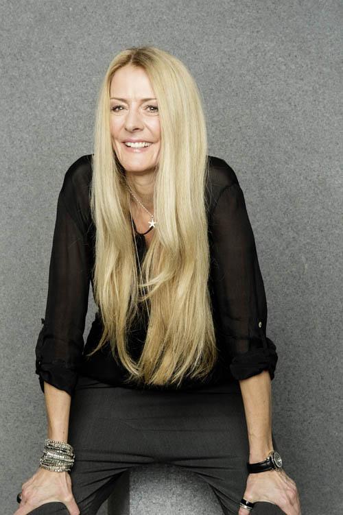 Lange Blonde Haare J7 Göppingen Hairstyling